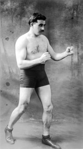 Archie McDiarmid in boxing pose