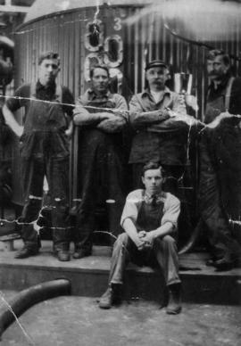 Five pan house workers, including J. Kendrick, Bill Dempster and Reuben Butcher [?]