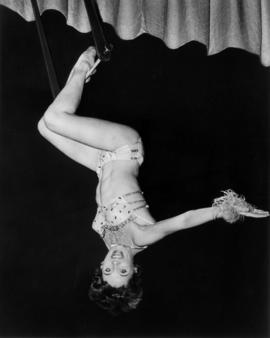 Miss Lianne : [publicity photo of aerialist]