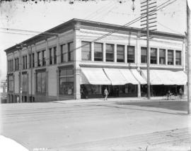 [Scougale's Dry Goods building at northeast corner of Hastings and Richards Streets]