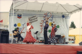 Mosaico Flamenco performing on Chevron Stage