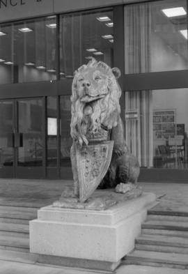 Royal General Insurance Co. - right lion