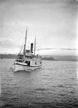 "[Esquimalt and Nanaimo ferry ""Joan"", approaching Evans, Coleman and Evans dock]"