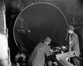 [Men making a boiler at Vancouver Iron Works Ltd.]