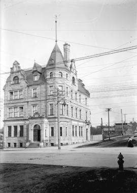 [Bank of Montreal building at the northeast corner of Granville and Dunsmuir Streets]