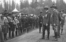 [General Baden-Powell inspects the 1st Vancouver Troop at Hastings Park]