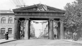 Lumberman's Arch at Pender Street and Hamilton Street
