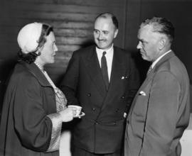 Mary Avery, Richmond Bd of Trade : [with R. Bonner and A.W. Gross at unveiling ceremony for Chall...