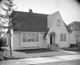 [Photograph of house at 31st Ave. and Collingwood St., Vancouver]