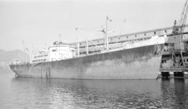S.S. Huntsland [at dock, at Ballantyne Pier]