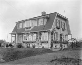 [Phototgraph of unidentified house]