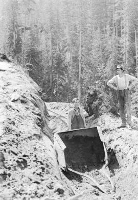 Drag shovel [for] Eagle River and Northern Railway tunnel construction at Eagle River Canyon [for...