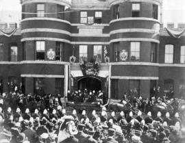 [The Beatty Street Drill Hall after opening by the Duke and Duchess of Cornwall and York]