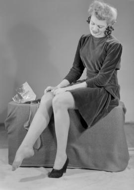 Nat. War Finance - Miss Waugh stockings