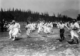 Printers' Picnic [showing ladies' foot race]