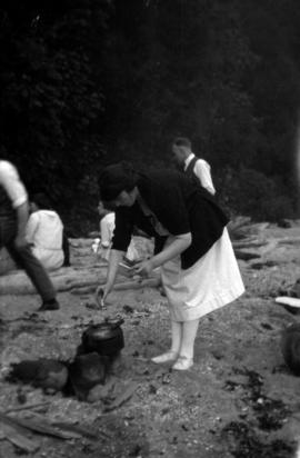 Picnic at Marine Drive : Olive making tea