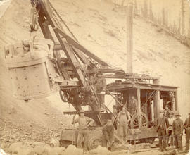 [C.P.R. construction crew and steam shovel at Moutain Creek]
