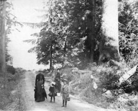 [Women and children on road near Prospect Point]