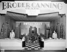 Broder Canning Co. display of Royal City canned foods