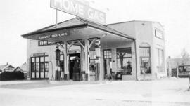 Grant Motors, 49th and Fraser [showing sign, Home Gas]