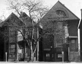 [View of houses at 901 to 912 Hornby Street]