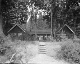 Mayor Gale's summer cottage at Crescent Beach