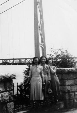 Gum May Yee, Mrs. Chan, and Lillian Ho Wong at Prospect Point