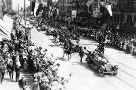 [President Harding's parade procession to Stanley Park proceeding up Granville Street at Dun...