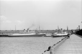 Union steamships at dock]