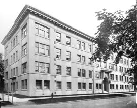[Winchester Apartments at Barclay and Jervis Streets]