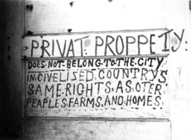 [Misspelled private property sign]