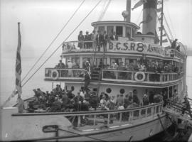"[Steamer ""Princess Royal"" crowded with B.C.S.R. picnic group]"