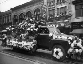 Kiwanis Club and Amateur Chrysanthemum Growers float in 1949 P.N.E. Opening Day Parade