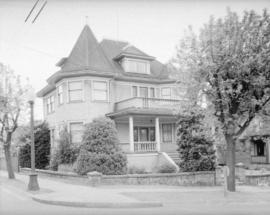 Residence of Mr. Brookhouse [at 1872 Parker Street] in Grandview District