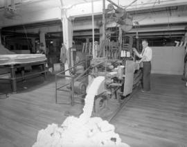 Simmon's Bedding [mattress manufacturing]