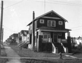 "View of ""old"" (ca 1909?) one storey house at 2381 Prince Albert Street"