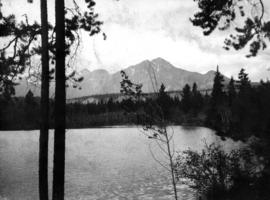 [View of] Lake Edith and Pyramid M[oun]t[ain]