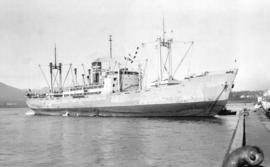 S.S. Hakubasan Maru [at dock]