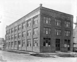 [Quigley Knitting Mills Ltd. building at the foot of Quebec Street]