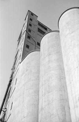 [Facade of grain elevator]