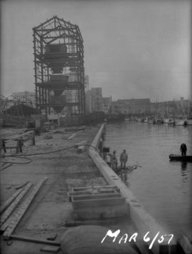 Raw sugar dock construction: finishing deck