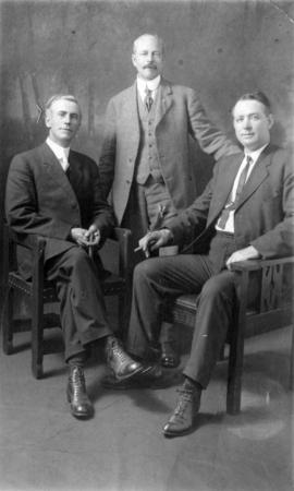 [Portrait of L.D. Taylor with two aldermen]
