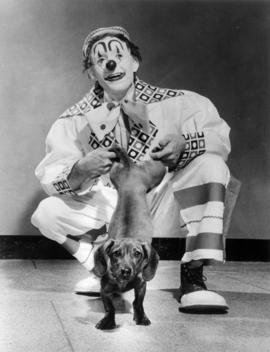 Hal Haviland : [publicity photo of clown and dog]