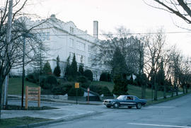 [Kitsilano Secondary School at 2550 West 10th Avenue]