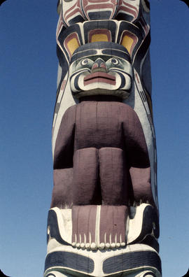 1 Detail of totem pole, Hadden Park