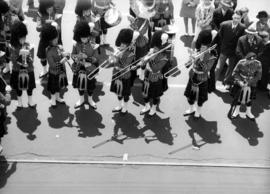 [Seaforth Highlander band performing during visit of King George VI and Queen Elizabeth]