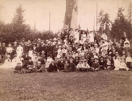[Unidentified group at picnic]