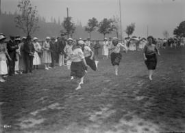 Women in a foot race