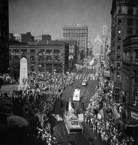 "Vancouver ""Canadian Pacific"" Exhibition Parade passing cenotaph, August 26th 1936"