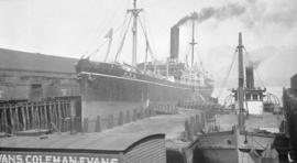"[S.S. ""Shidzuoka Maru"" at Evans, Coleman and Evans dock]"
